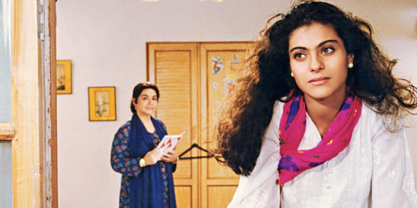 kajol-and-farida-jalal-in-dilwale-dulhania-le-jayenge